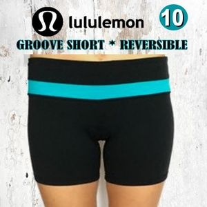 Lululemon Groove Short Black/Teal *Reversible*